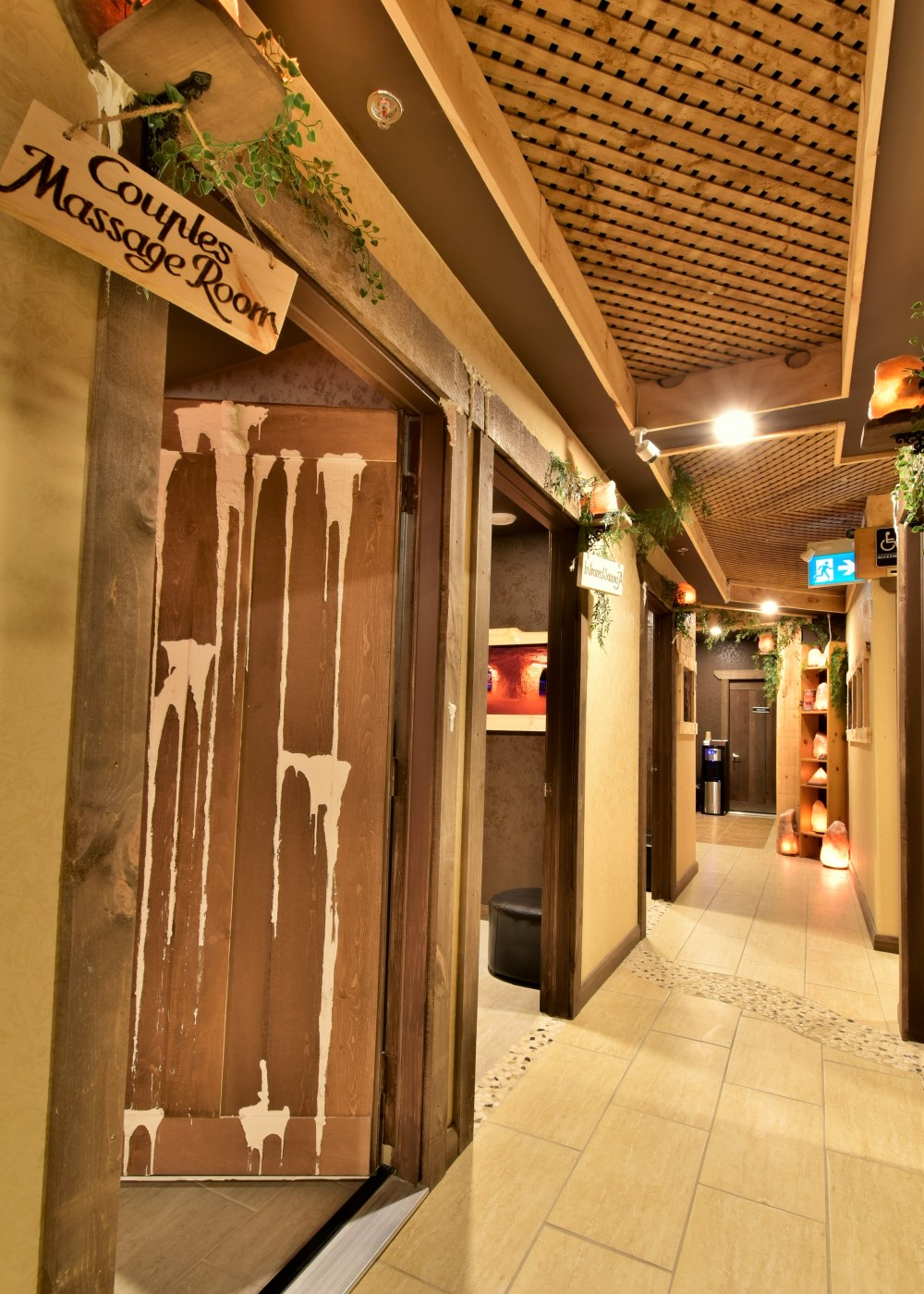 Niagara Falls Salt Cave Far Hallway