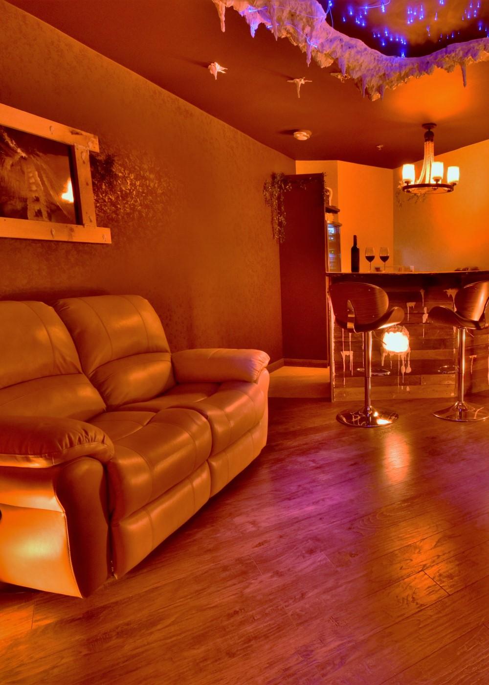 Niagara Falls Salt Cave Lounge 1